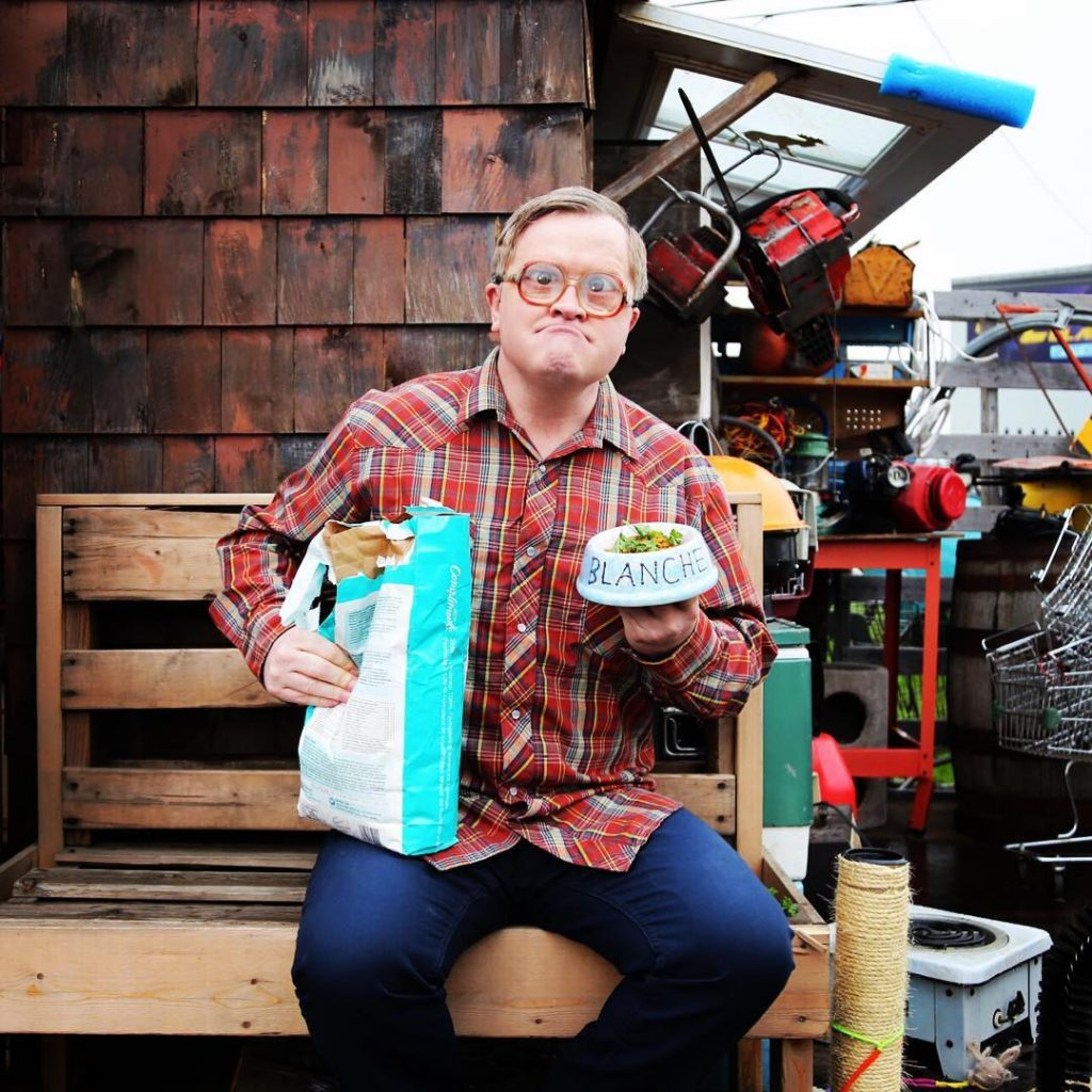 Bubbles feeds his kitty on the set of TPB11!